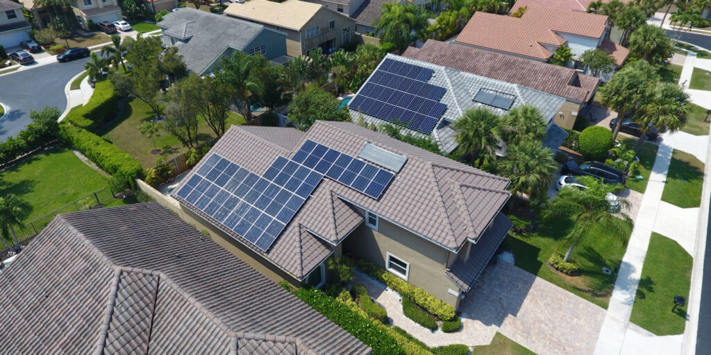 THE GEOGRAPHIC LOCATION OF MIAMI AND FABULOUS SOLAR OUTPUT